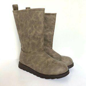 Mukluks Winter Boots Brown Slip On Size 7